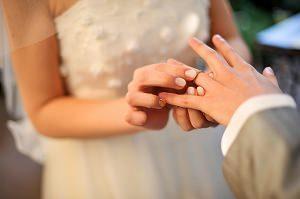 結婚式 指輪が入らない